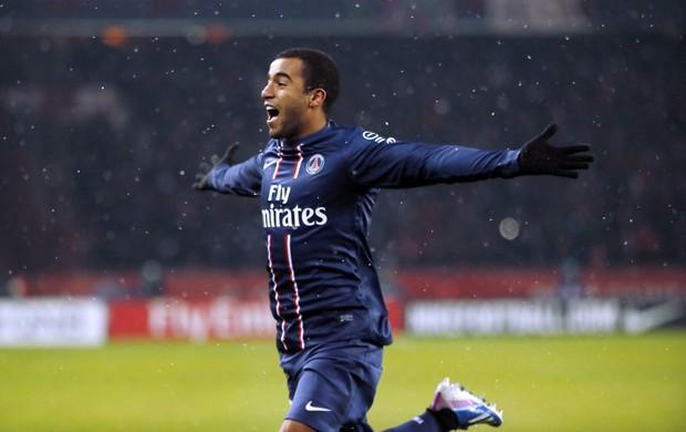 Lucas comemora gol do PSG sobre o Olympique de Marselha (Foto: AFP)