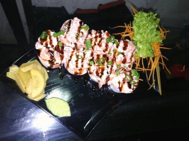 Pratos da culinária japonesa são servidos em eventos  (Foto: Herick Pacheco de Medeiros/ Arquivo pessoal)