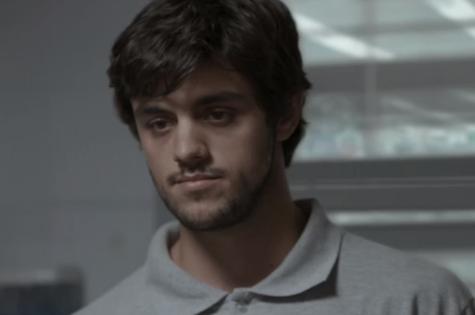Felipe Simas é Jonatas em Totalmente demais (Foto: Reprodução)