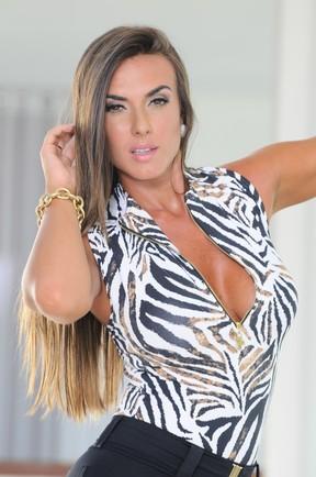 Nicole Bahls posa para sua grife de moda fitness (Foto: Alex Dantas / Divulgação)