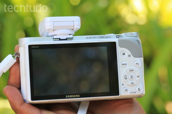 O corpo da câmera é intuitivo para os usuários  (Foto: Carol Danelli/TechTudo)