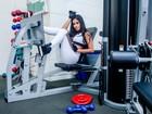 Ex-BBB Munik posa para campanha fitness e mostra corpo em forma