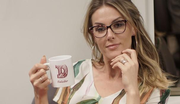 Ana Hickmann virou nossa estagiária por um dia! (Foto: Glamour Brasil)