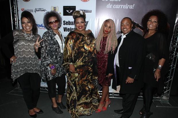 Fat Family no lançamento do enredo da escola de samba Tom Maior (Foto: Amauri Nehn/Photo Rio News)