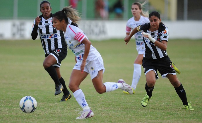 Carlinha São José Futebol Feminino x Botafogo-PB Futebol Feminino (Foto: Léo Caldas/Allsports)