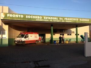 Os adultos foram levados para o Francisco Elesbão; uma vítima morreu a caminho do HGR (Foto: Natacha Portal/G1)