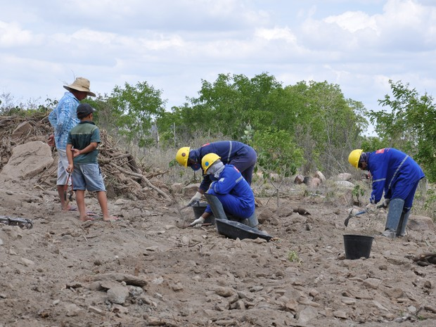 Material arqueológico foi encontrado durante obras do canal do Sertão (Foto: Arquivo Pessoal)