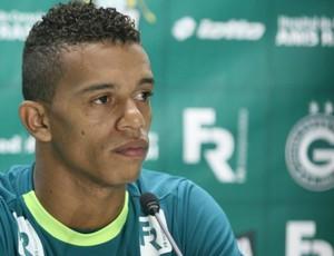 William Matheus, lateral-esquerdo do Goiás (Foto: Rosiron Rodrigues/Goiás E.C)