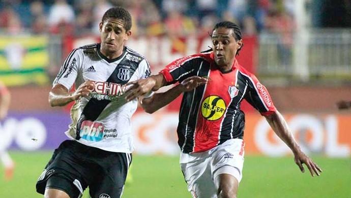 Kempes Joinville gol (Foto: José Carlos Fornér/JEC)