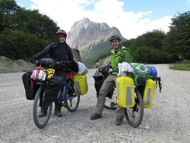 Casal saiu do 'fim do mundo', na Argentina, para chegar ao Himalaia, na Índia (Foto: Arquivo pessoal)