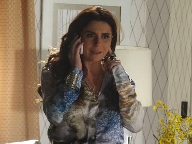Helô pede para Rachel se afastar de Wanda (Foto: Salve Jorge/TV Globo)