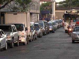 Fila Ferry Salvador (Foto: Reprodução/TV Bahia)