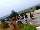 Peregrinos de Santos, SP, viajam de cavalo até Aparecida do Norte