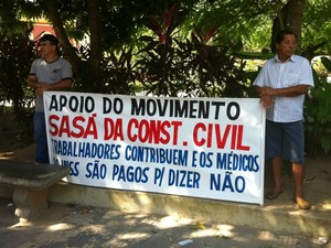 Trabalhadores estiveram presentes em protesto contra INSS (Foto: Camila Henriques /G1 AM)