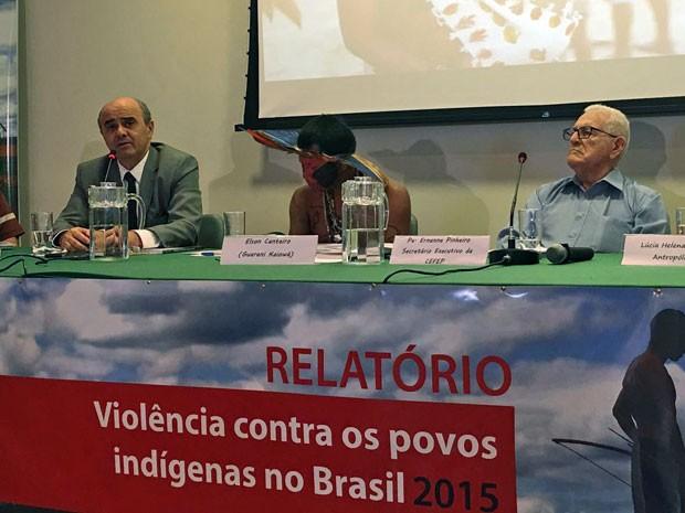"""Apresentação do relatório """"Violência contra os povos indígenas"""", do Cimi (Foto: Gustavo Garcia/G1)"""