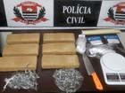 Polícia prende homem com 6 'tijolos' de maconha e 144 porções da droga