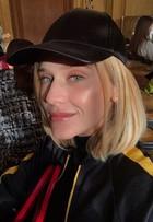Top Celina Locks faz seu primeiro desfile de alta-costura em Paris