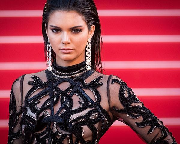 O estilo de Kendall Jenner é minimalista e moderno (Foto: Getty Images)