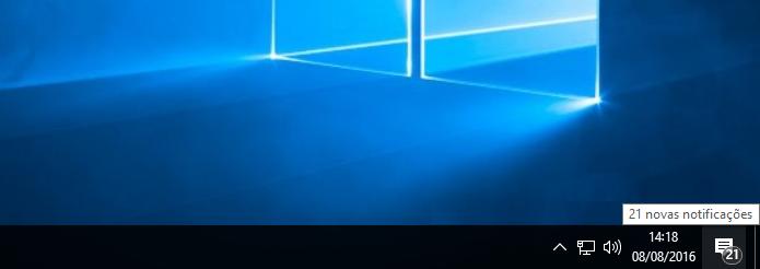 Visualizando badges do Windows 10 na barra de tarefas (Foto: Reprodução/Edivaldo Brito)