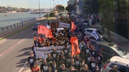 Funcionários da Justiça do Trabalho protestam em Vitória