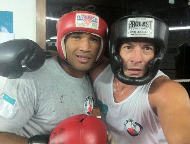 Esquiva Falcão e Malvino Salvador (Foto: Ana Hissa/SporTV)