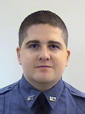 O policial do Massachusetts Institute of Technology (MIT), Sean Collier, de 26 anos. Ele foi morto durante uma troca de tiros com os suspeitos de detonar as bombas durante a Maratona de Boston (Foto: Middlesex District Attorney's Office/AP)