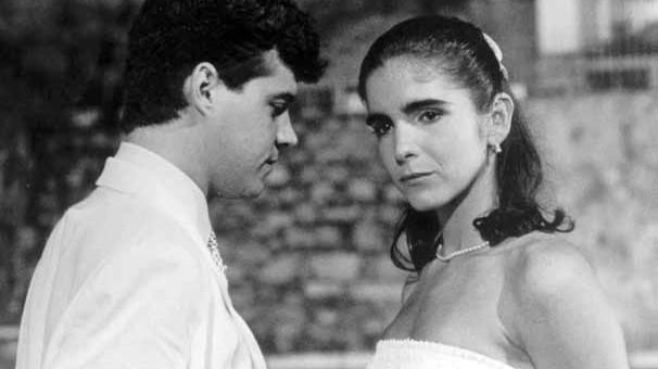 Felipe Camargo e Malu Mader contracenam em Anos Dourados, de 1986 (Foto: CEDOC Globo)
