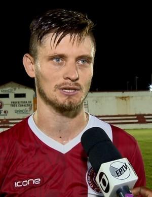 Zagueiro Augusto minimiza derrota em amistoso do Tricordiano contra o Nacional-SP (Foto: Reprodução EPTV)