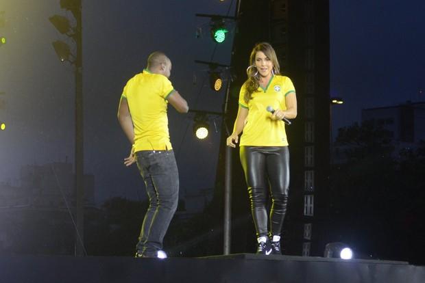 Ivete Sangalo e Thiaguinho (Foto: Léo Marinho/AgNews)