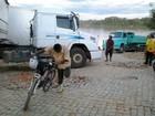Caminhoneiros fazem protesto e pedem melhorias no porto de Manga