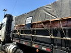 44 toneladas de telhas são apreendidas na Dutra, em Itatiaia, RJ