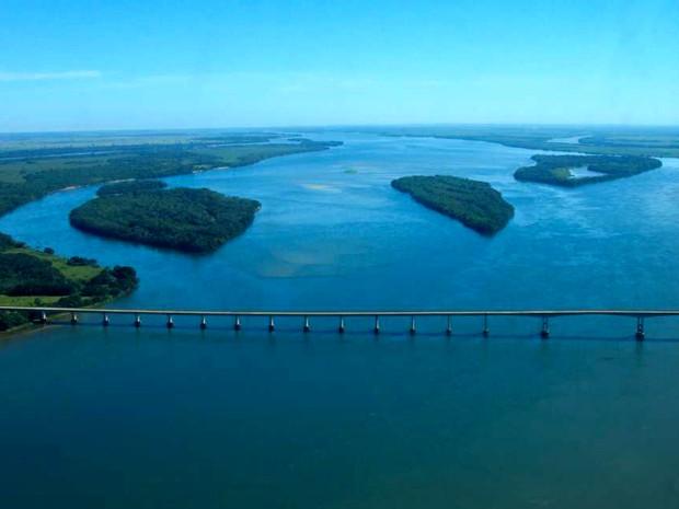 Complexo de pontes na divisa do Paraná com Mato Grosso do Sul compõe a beleza da região (Foto: Divulgação/ Coripa/ Fernando Fávaro)