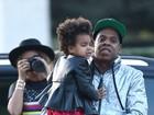 Beyoncé e Jay-Z têm dia de turistas com a filha na França