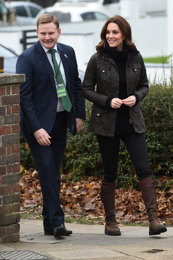 LONDON, ENGLAND - NOVEMBER 29:  Catherine, Duchess of Cambridge visits the Robin Hood Primary School to celebrate ten years of The Royal Horticultural Society campaign for school gardening on November 29, 2017 in London, England.  (Photo by Eddie Mulholla (Foto: Getty Images)