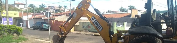 Prefeitura realiza construção de canaletas na rua Antonio Condi (editar título)