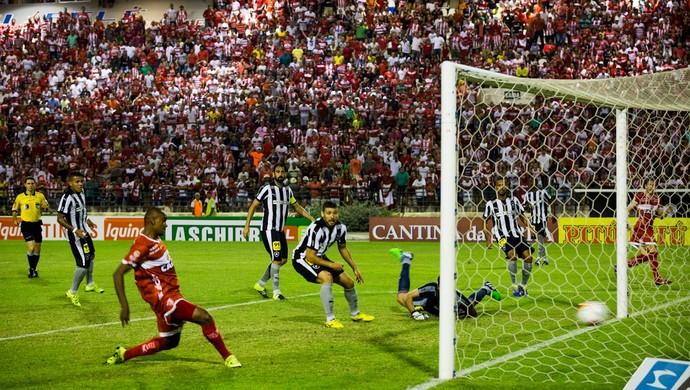 CRB x Botafogo gol de Isac (Foto: Jonathan Lins/GloboEsporte.com)
