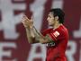 Tardelli desencanta com gol de falta, e Ricardo Goulart faz três na China