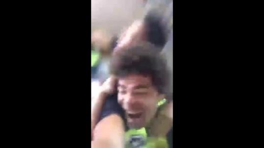 """Camilo festeja Seleção e revela choro da esposa: """"Melhor notícia da vida"""""""
