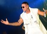 Em ritmo de pré-carnaval, baiano Léo Santana faz show na capital de MS