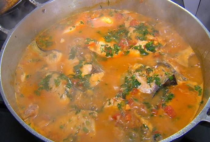 Moqueca de peixe foi preparada pela Dona Lucia, da cidade de Cardoso (Foto: Reprodução / TV TEM)