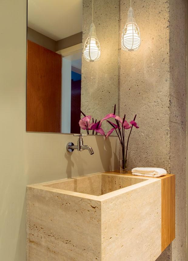 apartamento-dt-estudio-lavabo-concreto-cuba (Foto: Edu Castello/Editora Globo)