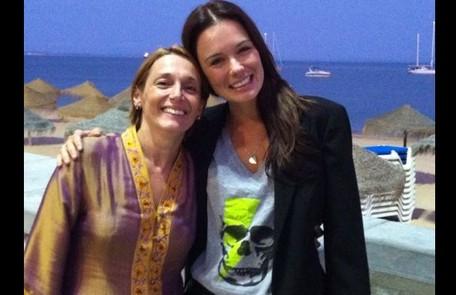 Com a atriz portuguesa Manoela Couto, intérprete de Sofia, mãe dela na trama. Arquivo pessoal