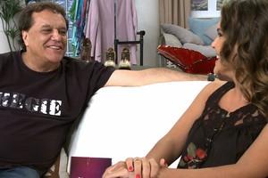 O diretor Dennis Carvalho e Nathalia (Foto: VIVA)