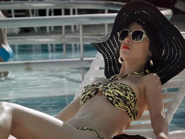 A marajoara capricha no visual para a piscina (Foto: Amor Eterno Amor/ TV Globo)