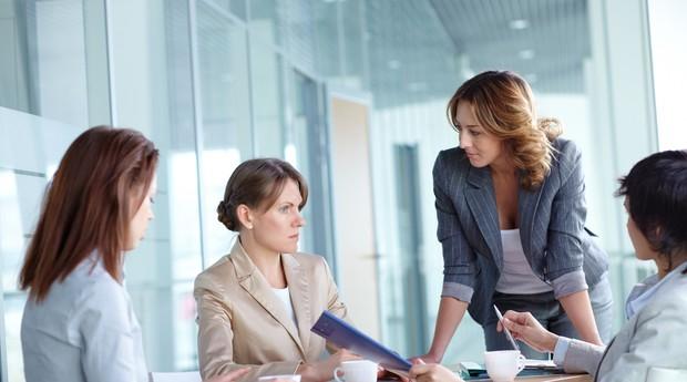 reunião_debate_jurídico_mulheres_conversa_diálogo (Foto: Shutterstock)