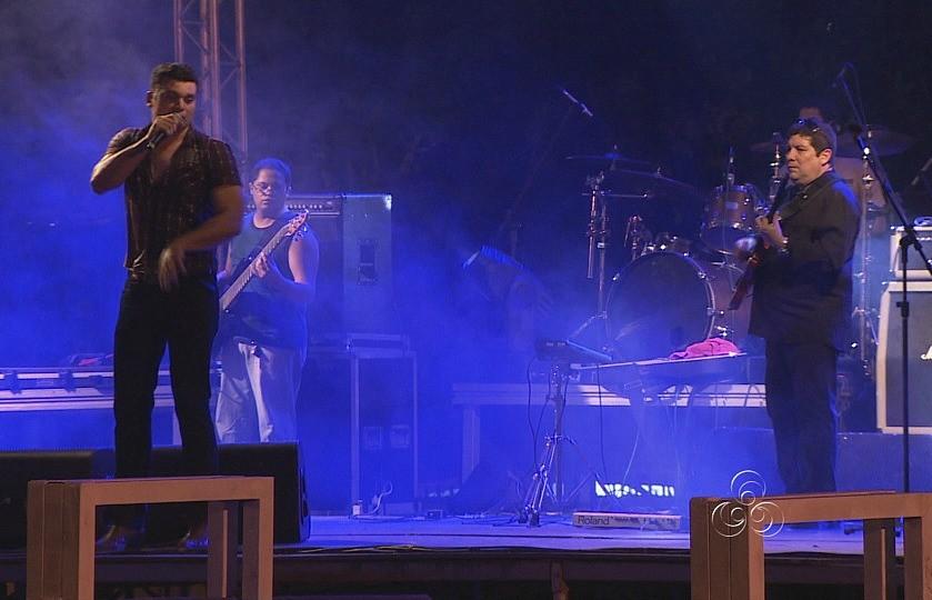 Shows musicais animaram quem passou pela feira no fim de semana (Foto: Amazônia TV)