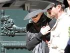 Após shows no Brasil, Madonna desembarca na Argentina com filhos