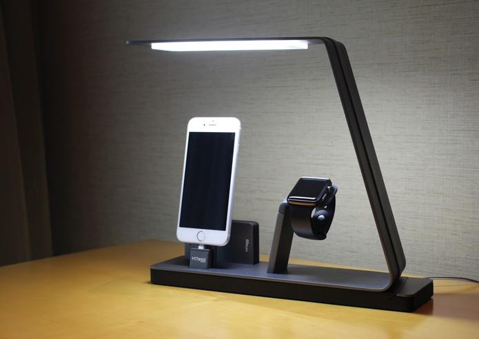 Dock permite carregar vários dispositivos da Apple em um único local (Foto: Reprodução/Indiegogo)