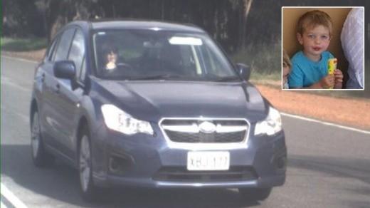 Joseph e o veículo da família, que foi roubado (Foto: Essential baby)