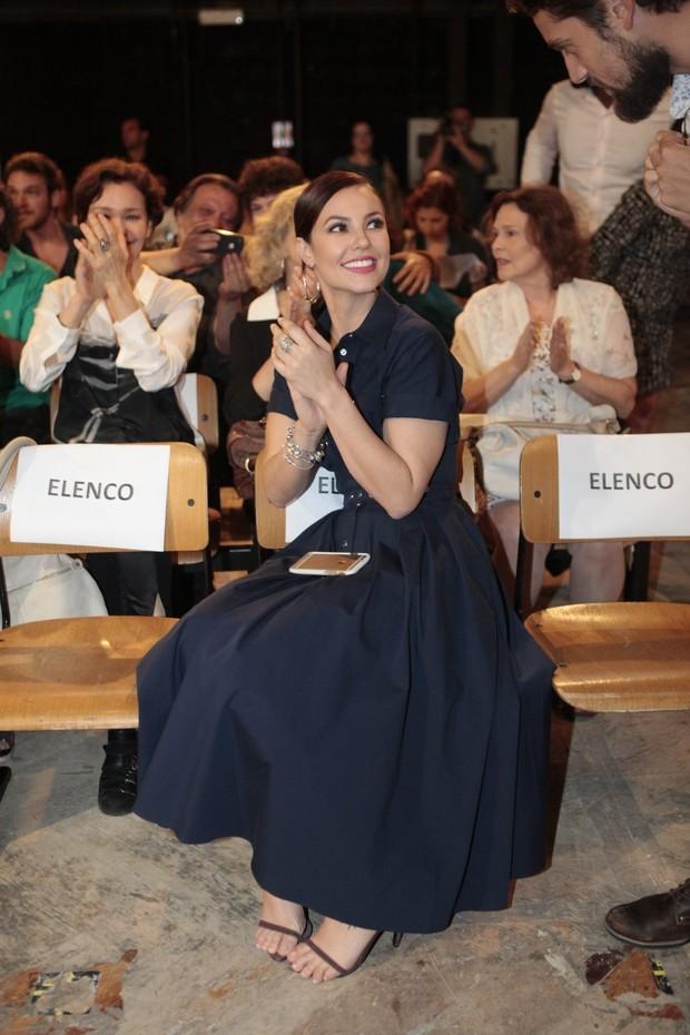 Coletiva Além do Tempo - Paola Oliveira (Foto: Isac Luz/EGO)